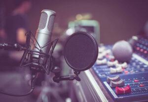 32251Realizzazione audiolibri – voce femminile